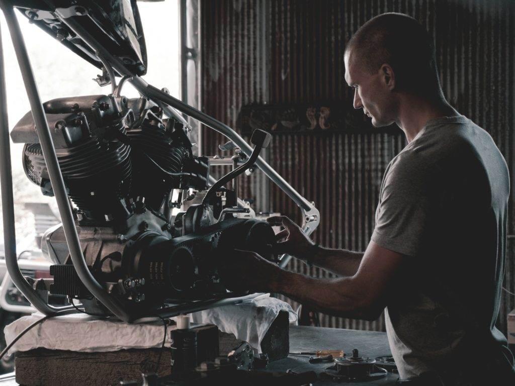 Warum viele Männer so auf Motoren abfahren - MAN ON A