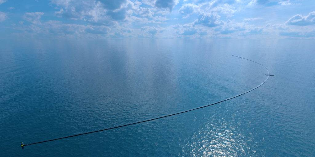 The Ocean Cleanup System will Ozeane vom Plastikmüll befreien