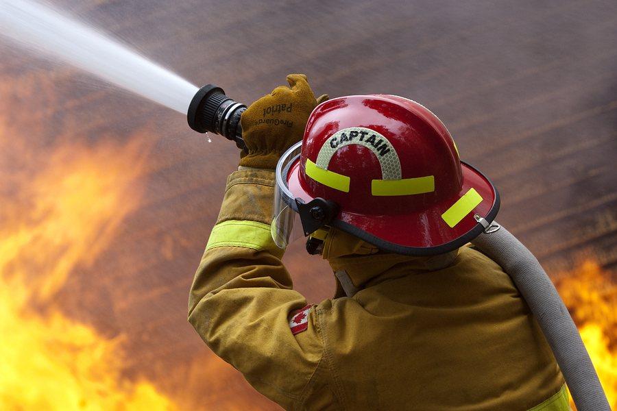 Feuerwehrmann   typischer Männerberuf – auch heute noch