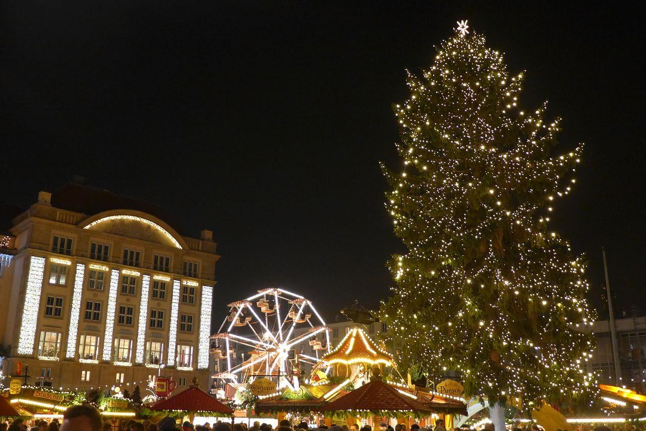 Source: https://pixabay.com/de/photos/weihnachtsmarkt-dresden-deutschland-612706/